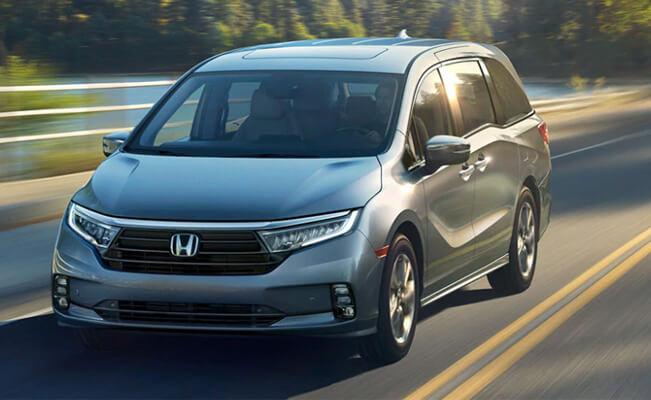Honda Odyssey - best cars for short people